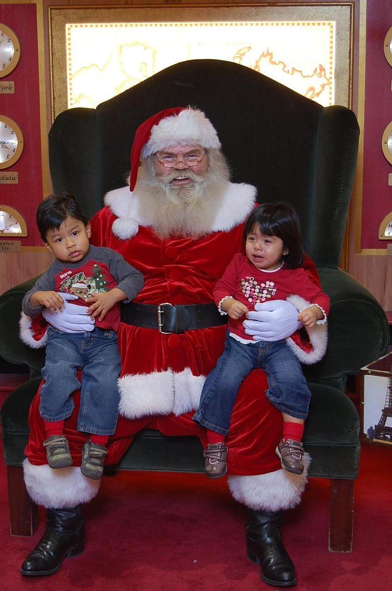 Santa 2008 003